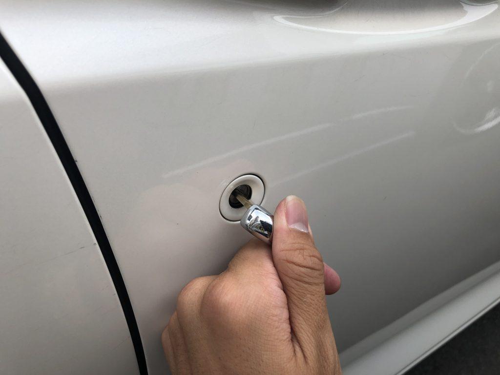 フィット運転席ドアの鍵作成