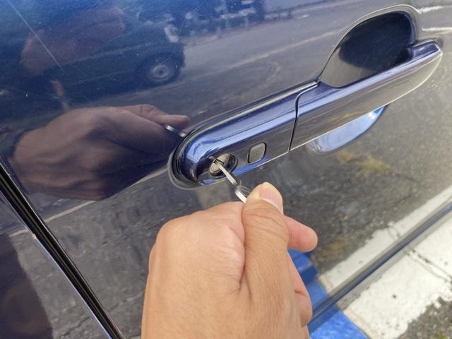 スズキ・パレットのドア用鍵を作成している画像