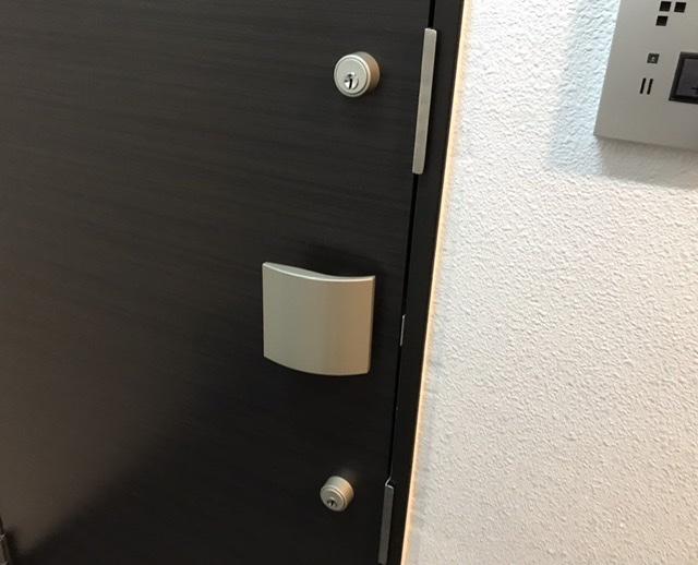玄関ドア解錠現場